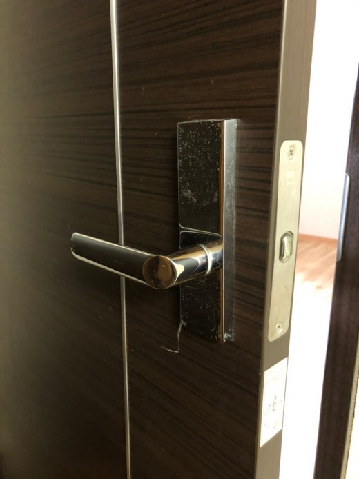 ドア ビフォー 鍵